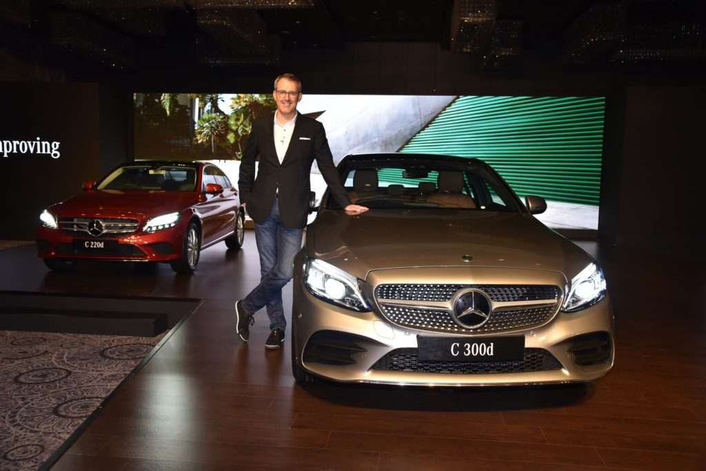 Say Hello To The New Mercedes Benz C Class Facelift India ; Starts At 40 Lakhs! 4